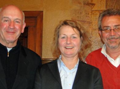 Coprésidents de la commission (à partir de la gauche) : Luis Augusto Castro Quiroga, Friederike Nüssel, Alfred Neufeld. Photo par Eleanor Miller